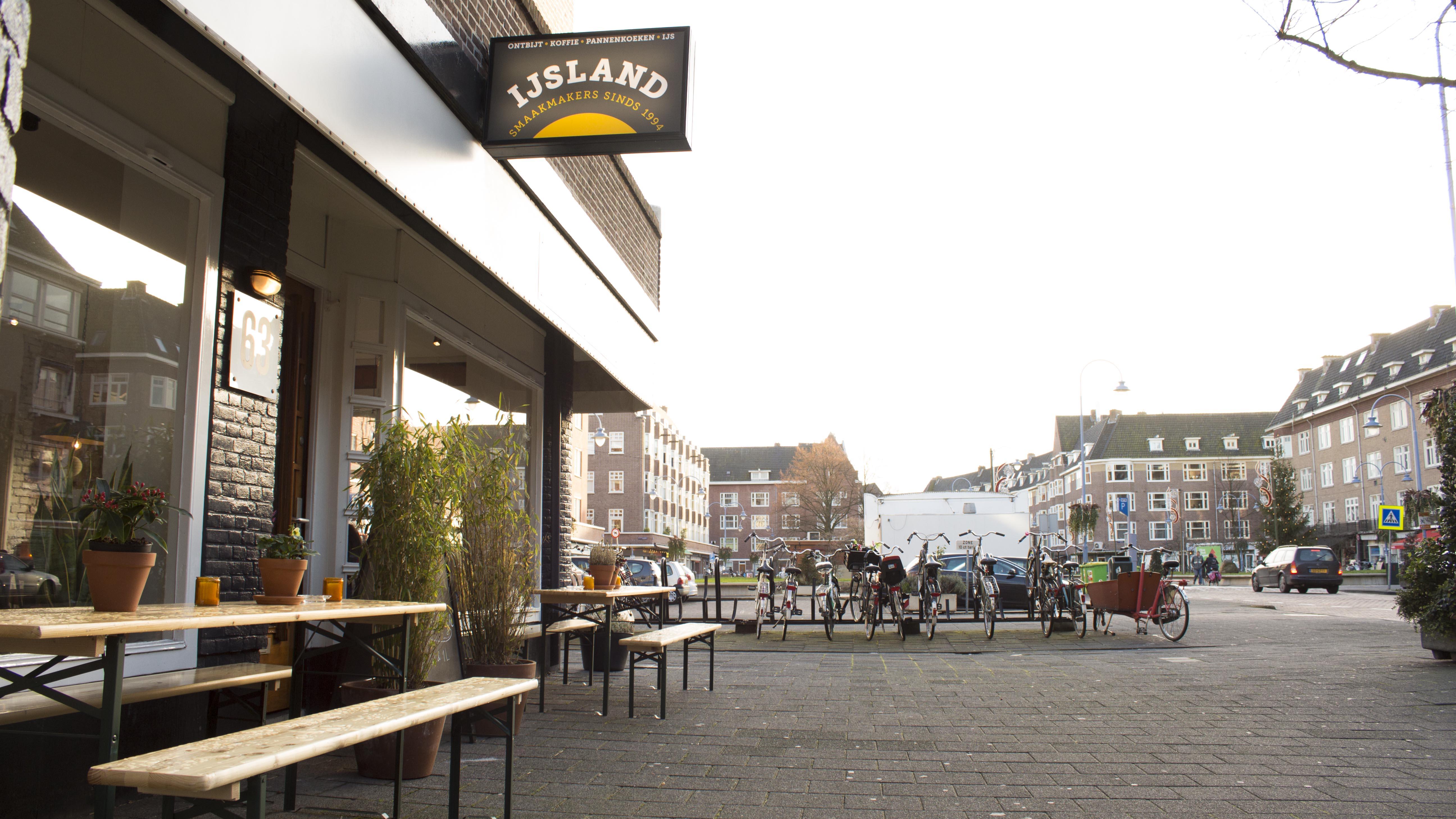 Parkeren op de Maasstraat in Amsterdam