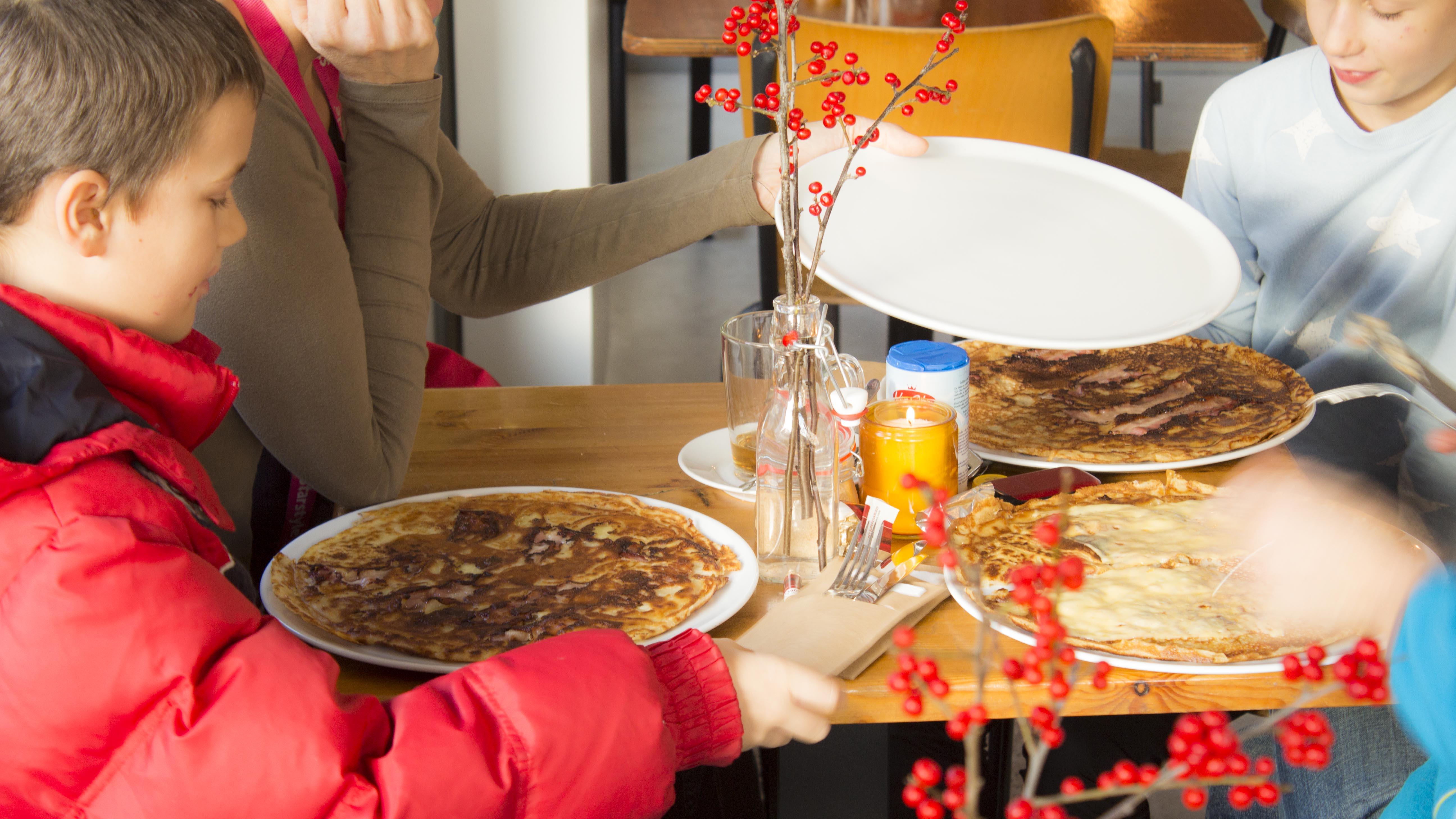 Kom met de familie pannenkoeken eten